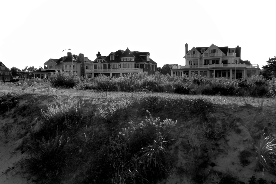 Multimillion dollar homes along the beach.