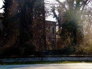 Servant house